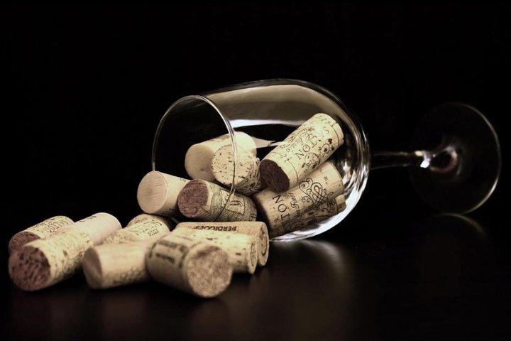 Private Barcelona Walking Tour, Wine Tasting & Tapas Dinner