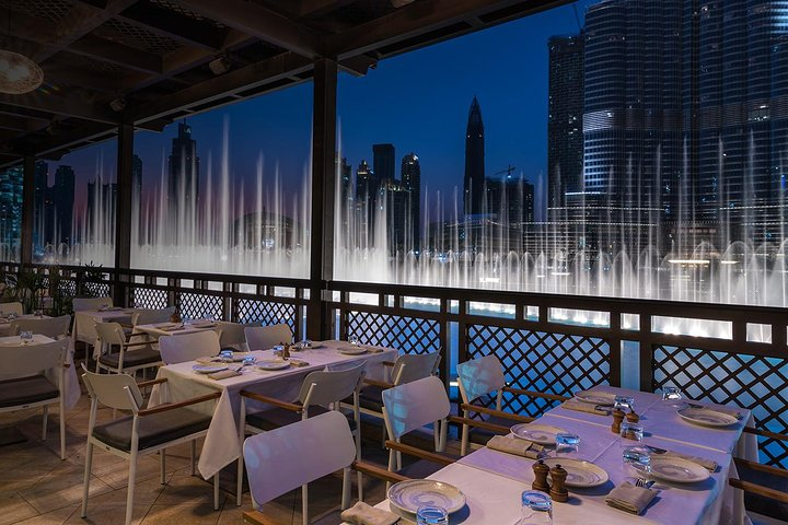 Outdoor Terrace Dining in Modern Downtown Dubai