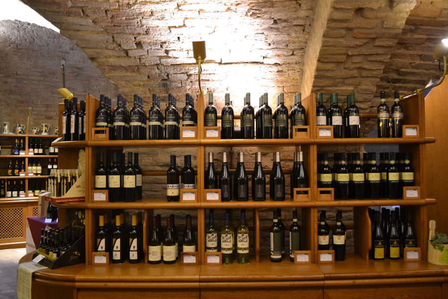 Bologna wine walking tour