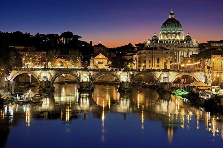 Rome by Night Private Walking Tour With Dinner