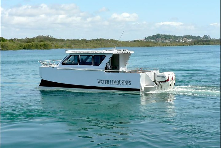 Water Limousines Deluxe Romantic Beach Picnic for 2 in Sydney