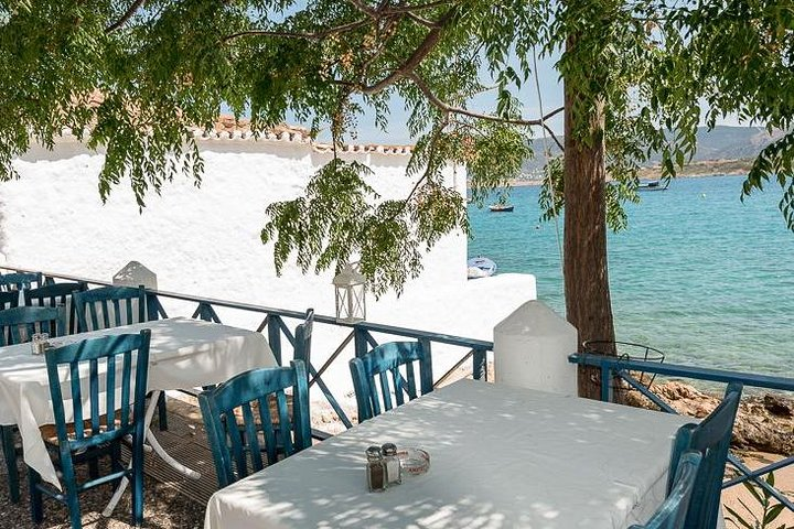 Athens Private Wine Tour and lunch in a seaside tavern