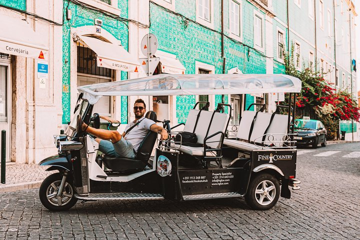 Catch the best in town on a tuk tuk