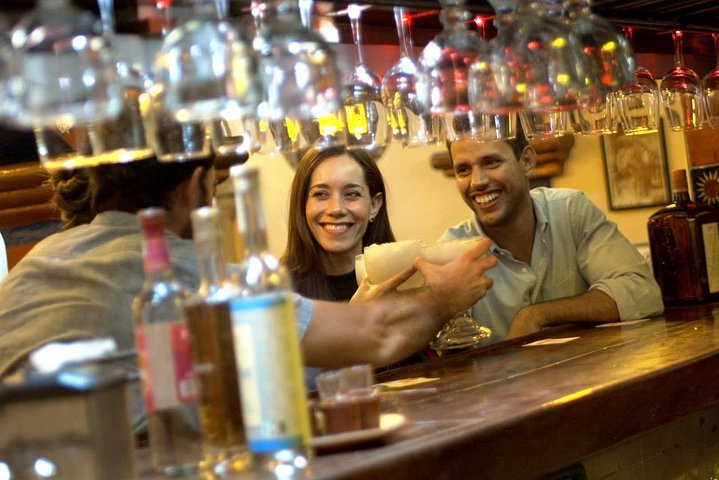 Hidden bars crawling tour with Spirits tasting and transportation- Mixology