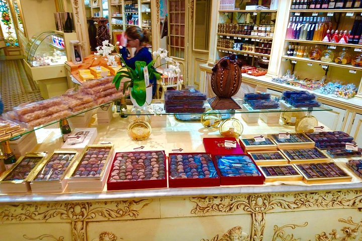 Food Lovers Tour of Nice Local Markets and Best Shops