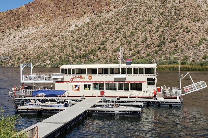 Go sightseeing across the Canyon Lake on a steamboat.