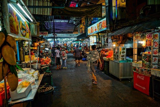 Bangkok Bar Hopping Night Tour with Tuk Tuk Ride in Siam