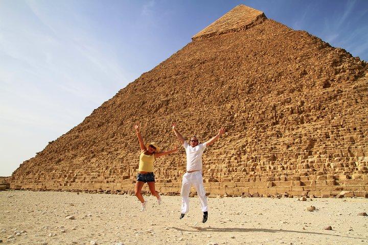 Day trip to Giza Pyramids