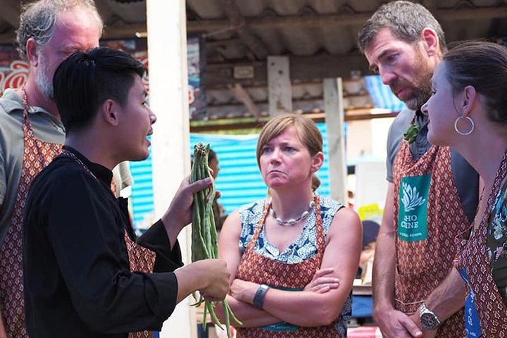 Dinner Cooking Class & Market Tour with Thai Master Chef at Sukho Cuisine, Lanta