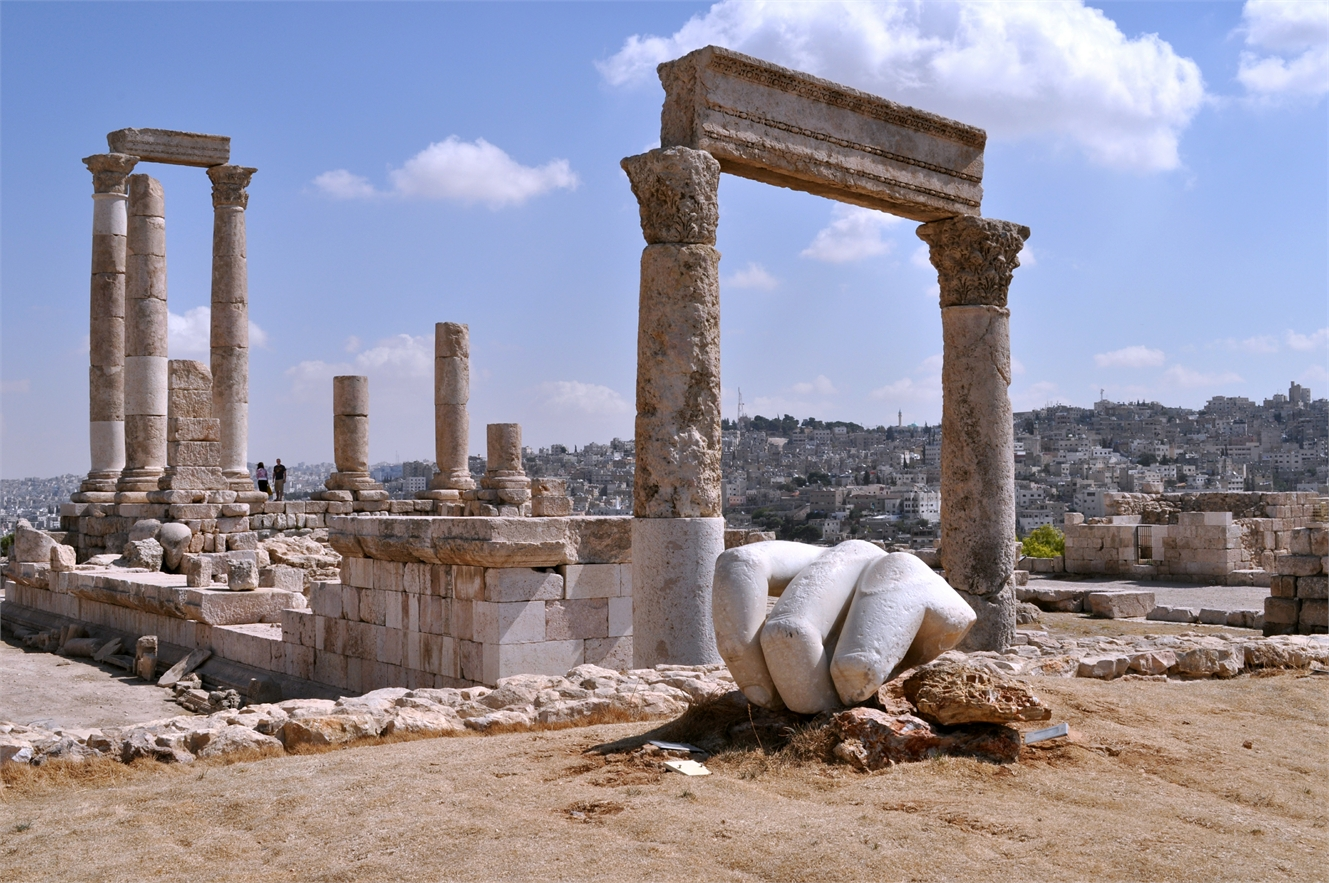 Visit the archaeological site