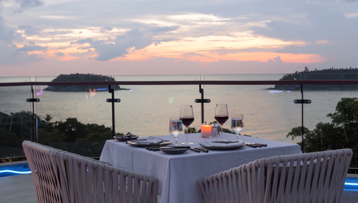 Twilight Stylish Sky Set Dinner - The SIS Kata Resort