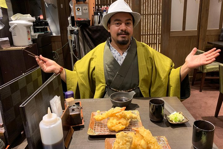 Full-Day Asakusa Sightseeing Tour with Food & Drinks