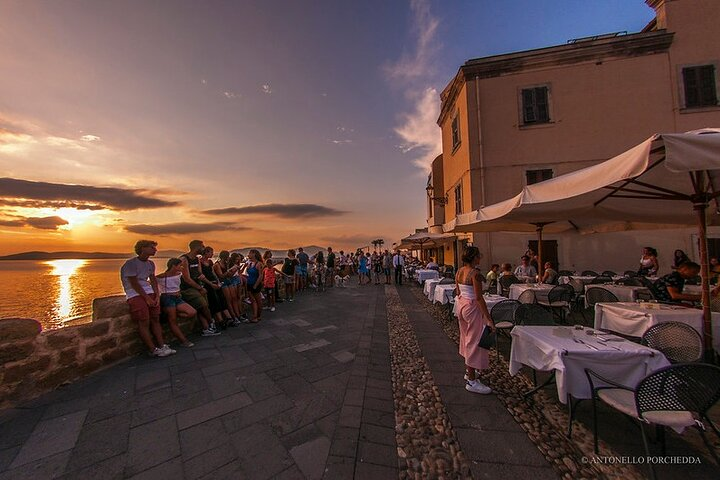Half Day Food Tour in Alghero with Dinner