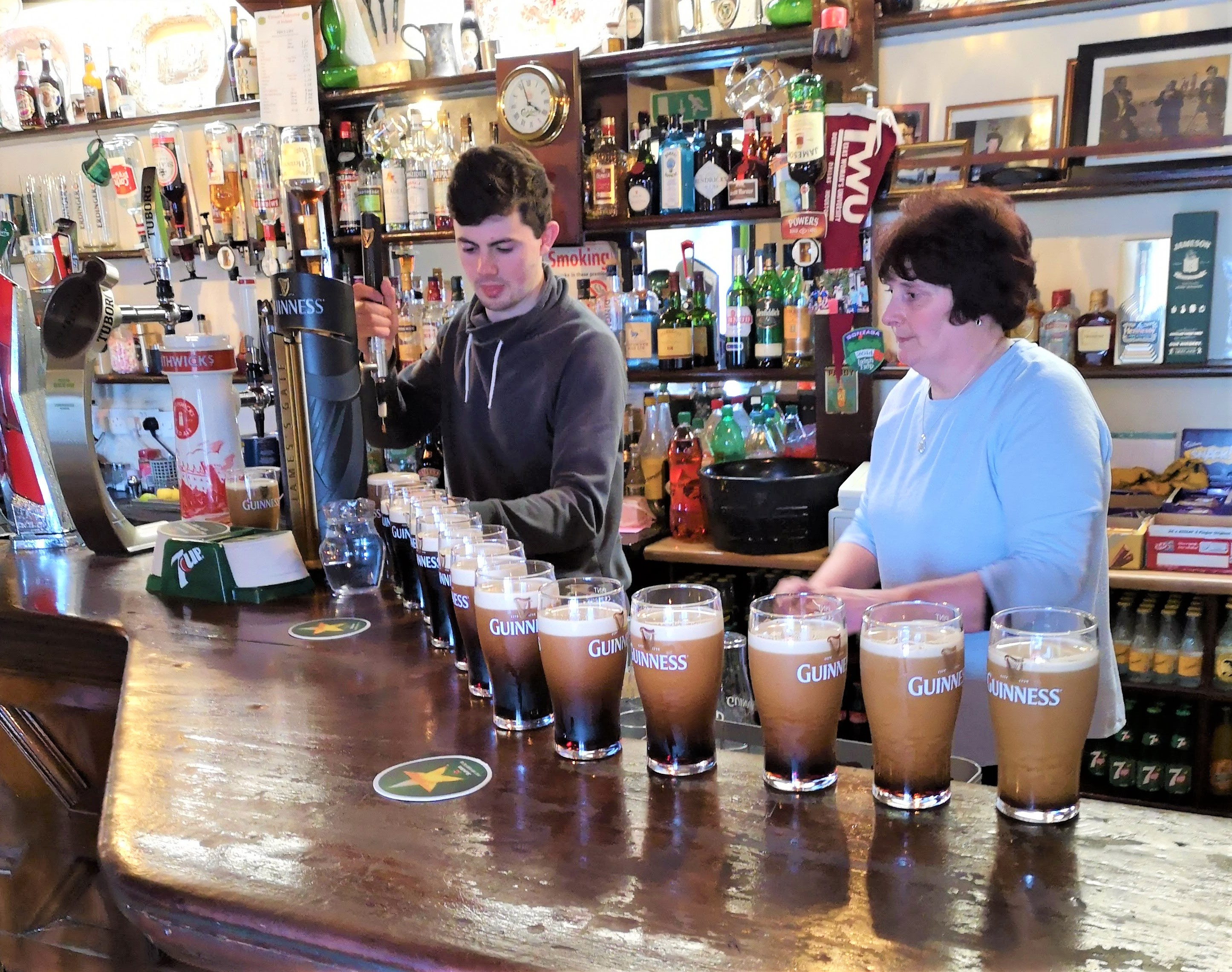 Connemara pub tour from Galway City. Private guided.