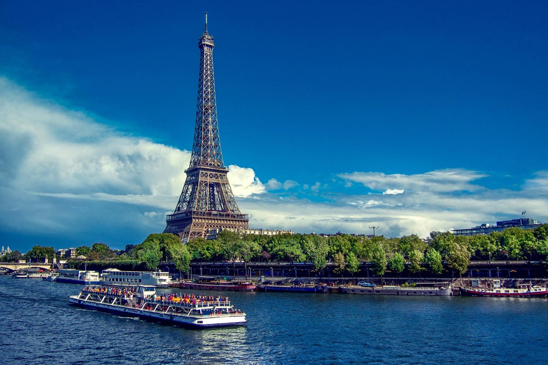 Париж: Обзорная экскурсия по городу c круизом на кораблике по Сене и посещением Эйфелевой башни без очереди и обедом в ресторане с панорамными видами