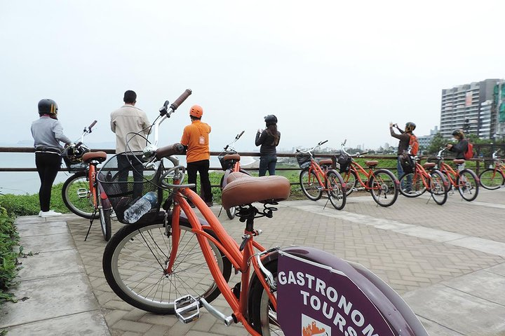 Half Day - Gastronomy Tour By Bike at Miraflores