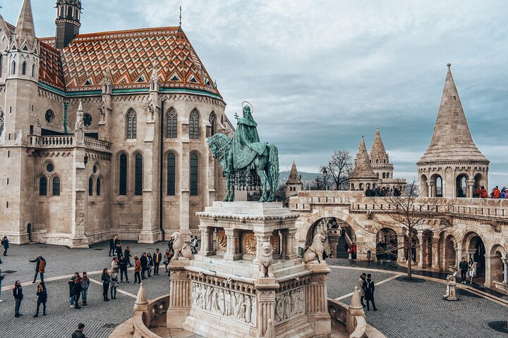 Private tour of the best of Budapest - Sightseeing, Food & Culture with a local