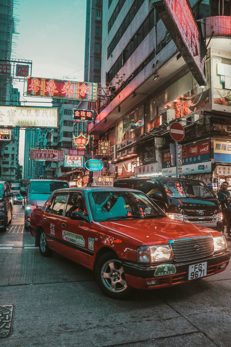 Small Group Tour: Kowloon Street Food & Culture Tour