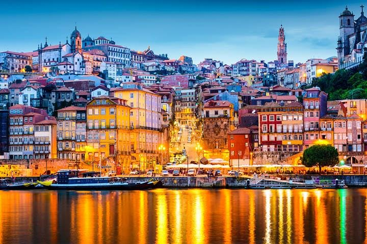 Best of Porto Sightseeing Tour with Lunch, 6 Bridges Cruise and Evening Fado Tour