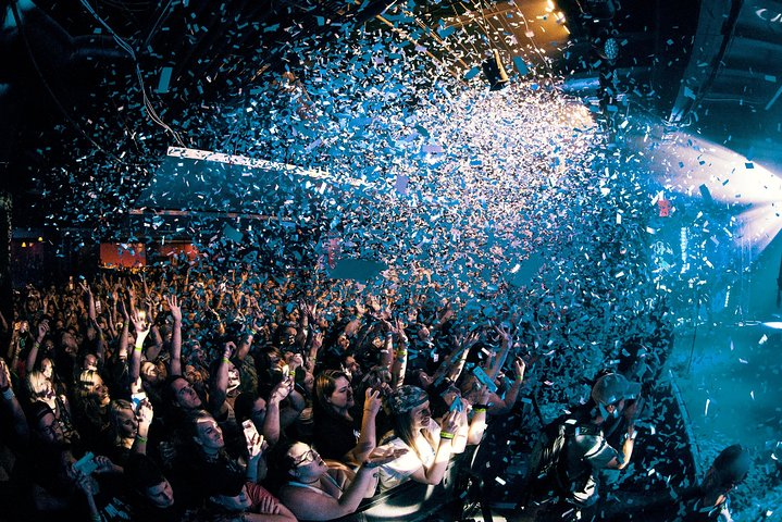 Best Party In Miami with Free Open Bar, Limousine, Club Entry Included
