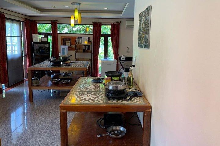 Thai Cooking Workshop and Organic Garden Tour in Koh Samui