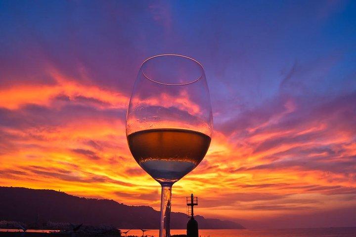 Santorini Private Wine Tour & Sunset in Oia