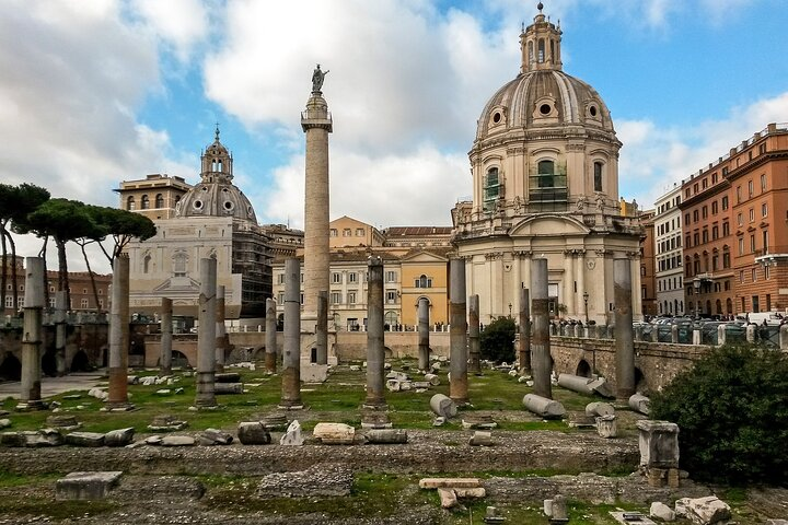 Private Walking Tour with Food Tasting by Sunset in Rome