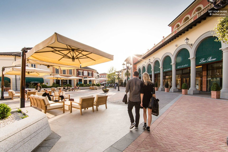 Organic winery and Serravalle Outlet experience from Turin or Milan