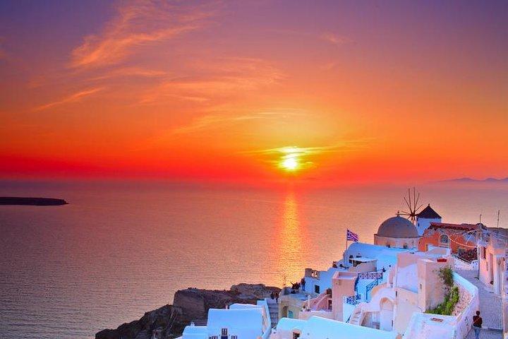 A Taste of Mediterranean Cuisine Dinner in Santorini