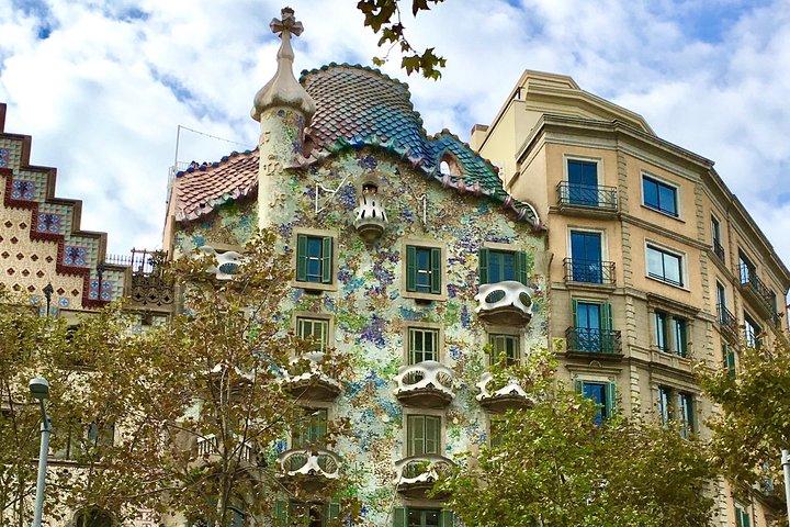 Monday Evening Eixample Tapas Tour with The Barcelona Taste