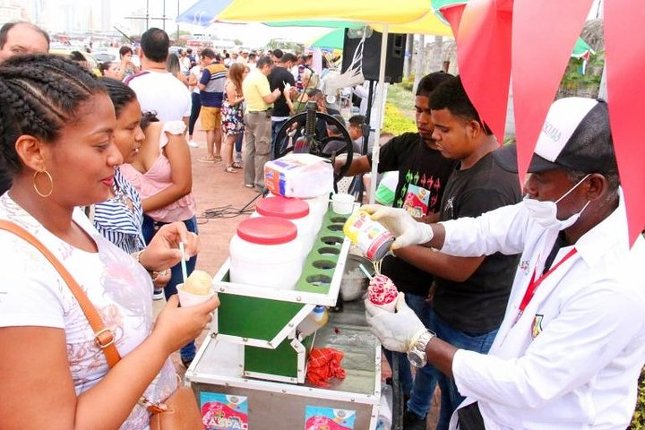 Food Tour in Santa Marta Old City Half-Day