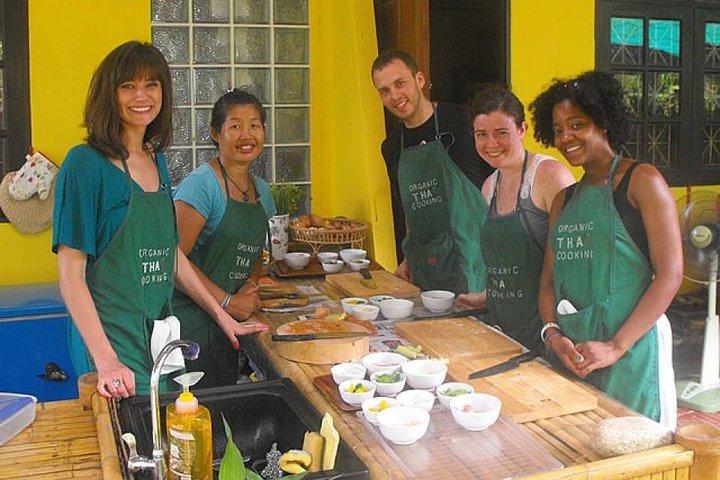 Vegetarian Organic Thai Cooking Class and Market Tour in Phuket