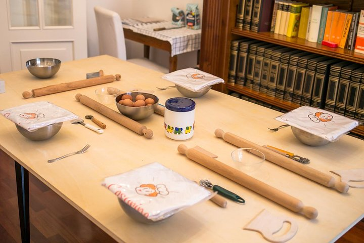Private pasta-making class at a Cesarina's home with tasting in Lucca