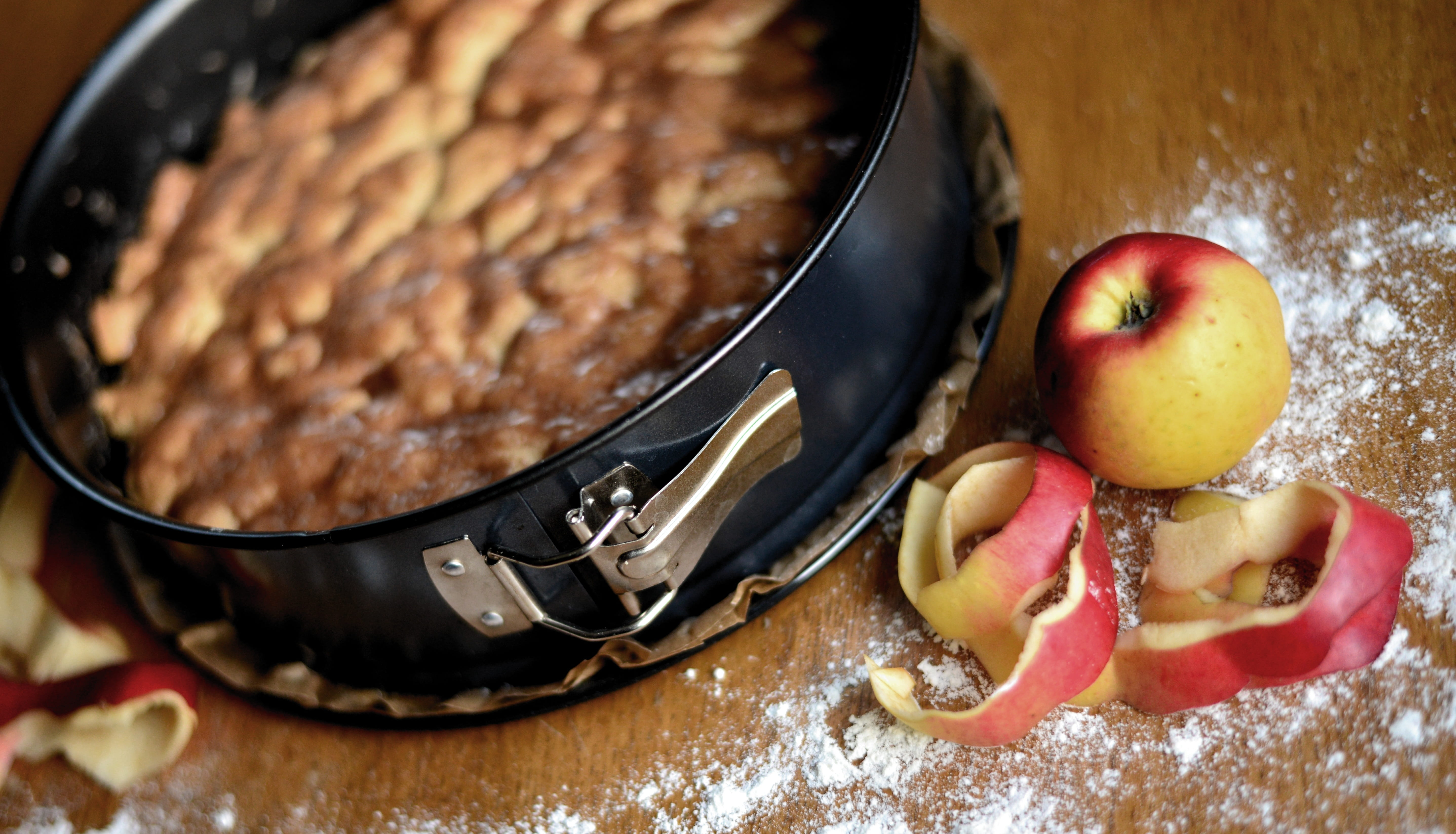 Taste Of Culture Virtual Experience; Bake a Dutch Apple Pie with a Pro!
