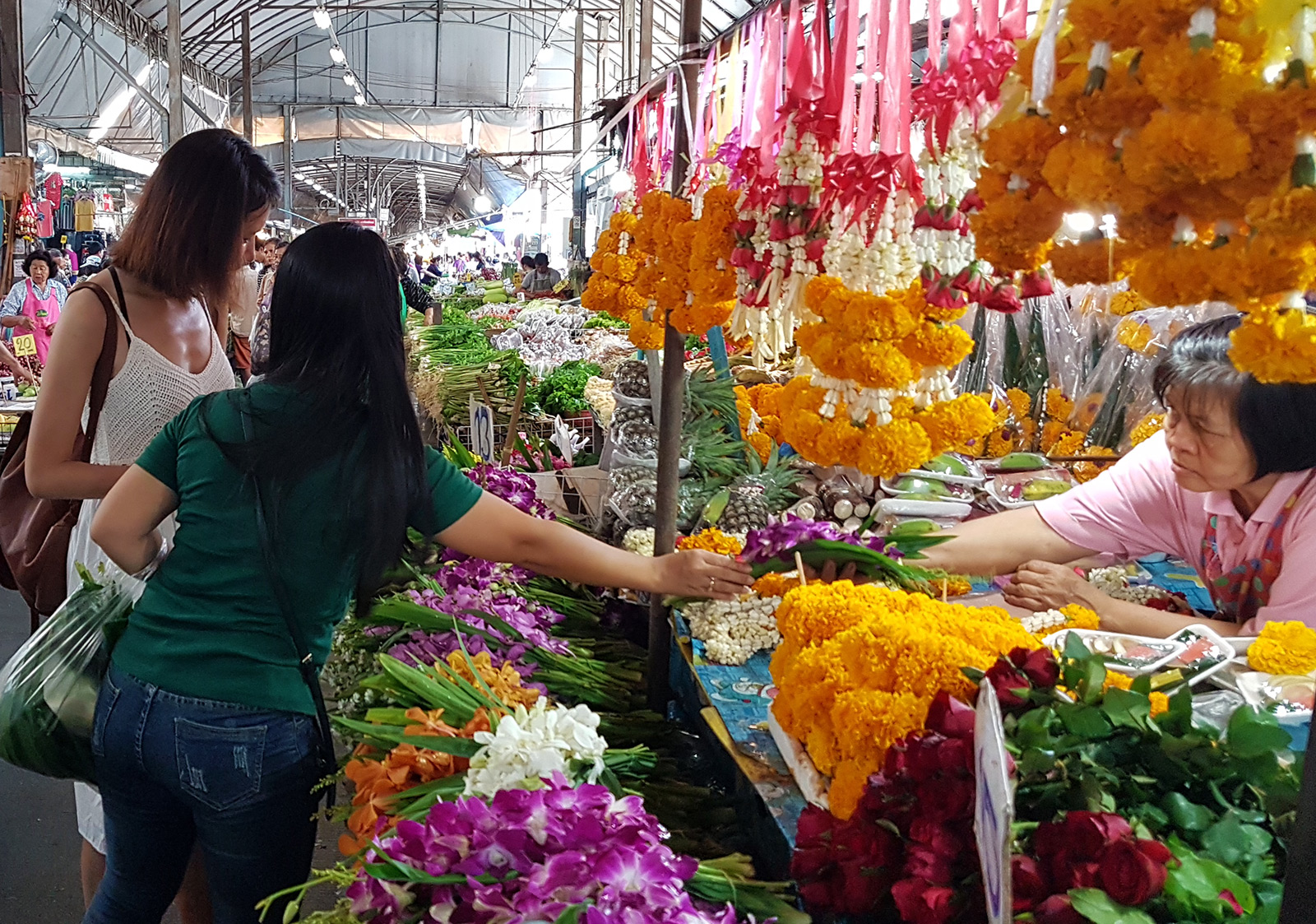 Authentic Thai Cooking Class and Local Market Tour