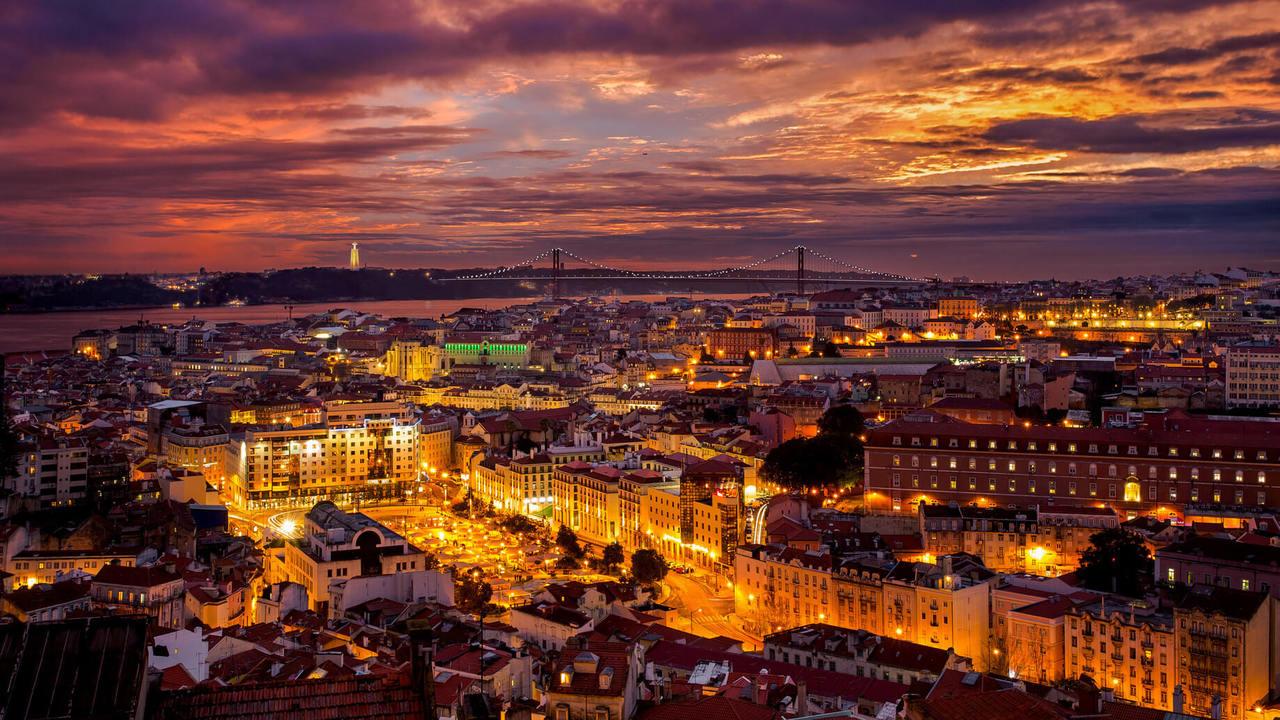 Fado Dinner & Lisbon by Night