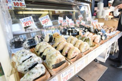 Tsukiji Market Tour & Sushi Making Workshop