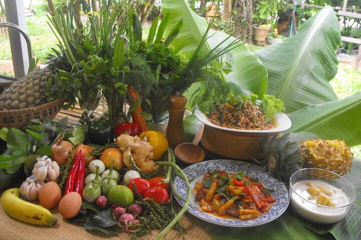 Organic Thai Cooking Class and Market Tour in Phuket