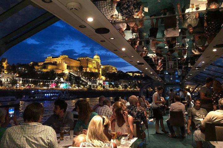Candlelit Dinner Cruise