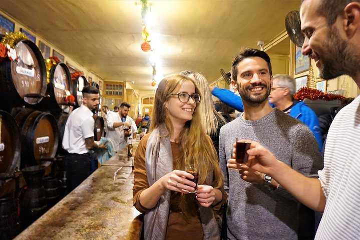 Granada Traditional Tapas and Wine Tour - by Oh My Good Guide