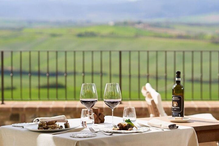 Exclusive Brunello Tour with 3 Luxury Wineries and Lunch