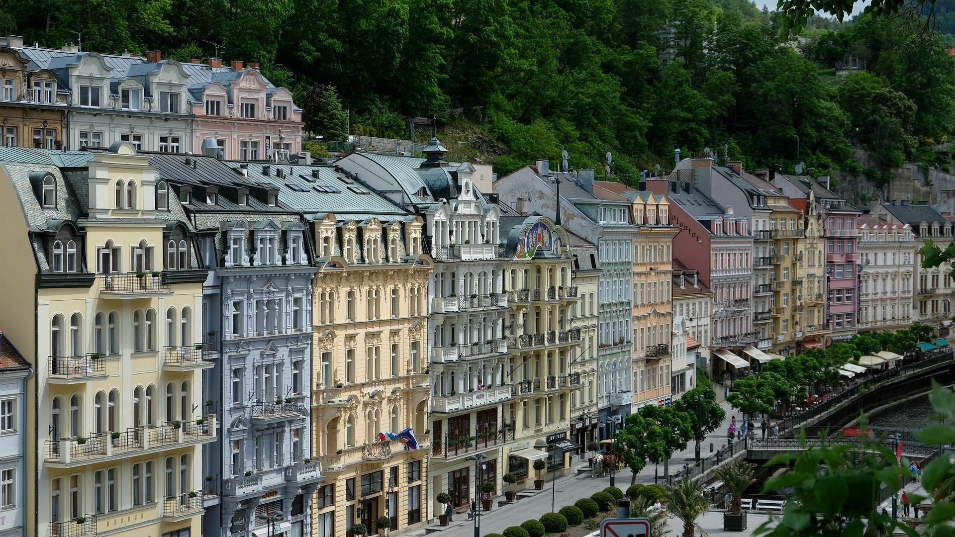 houses of Karlovy Vary