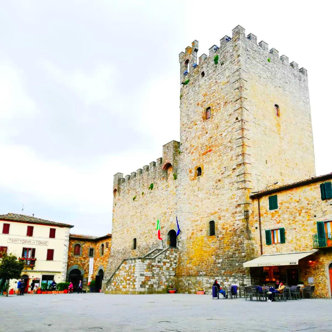 Tour Borghi Medievali nel Chianti Classico. Pranzo e Wine Tasting. Van Esclusivo