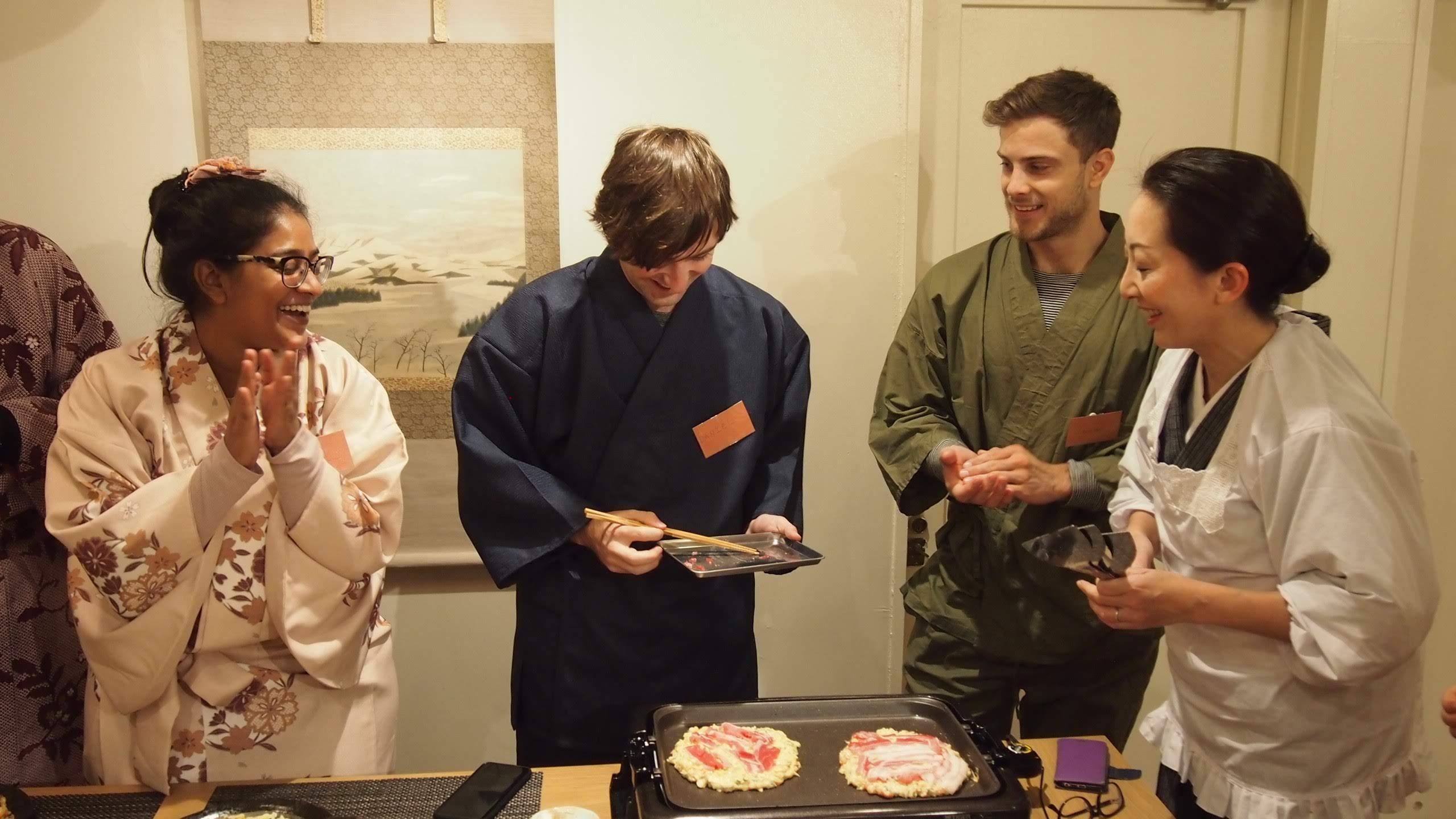 Okonomiyaki cooking experience in KIMONO