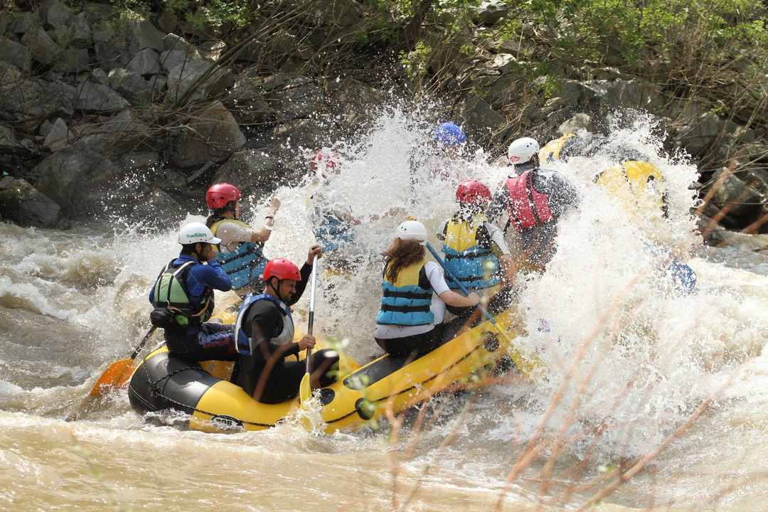 Enjoy rafting with the group