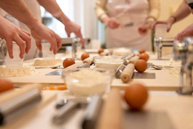 Private market tour and cooking class with lunch or dinner in Vietri sul Mare