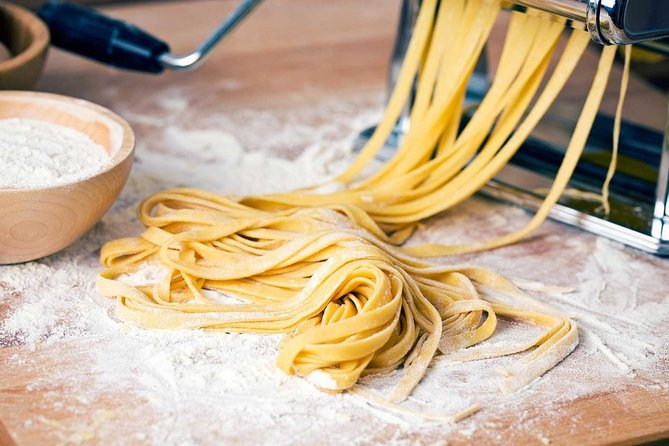 Tuscany: Pasta Cooking Class in San Gimignano Winery