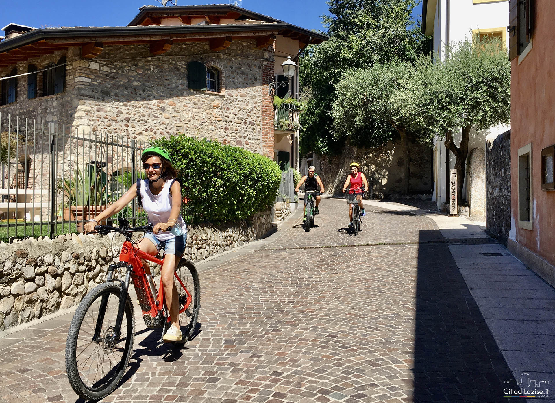 Bike tour and wine tasting in Lazise
