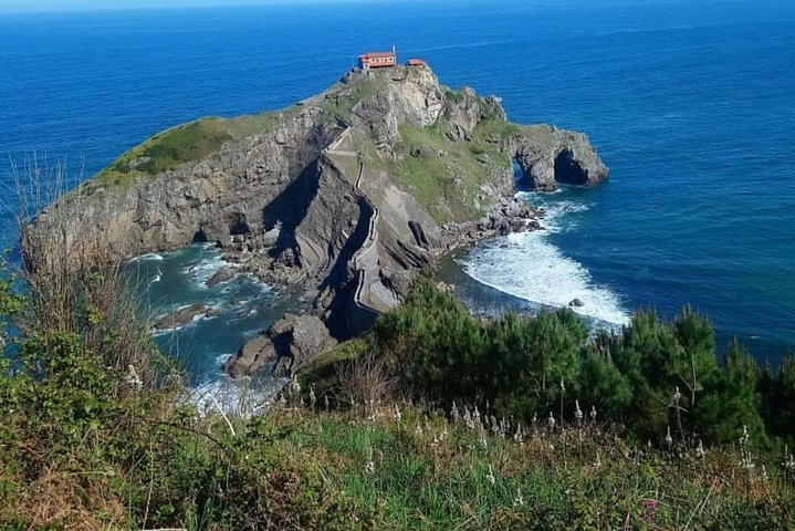 Private tour the Jewels of the Basque coast with lunch and transport