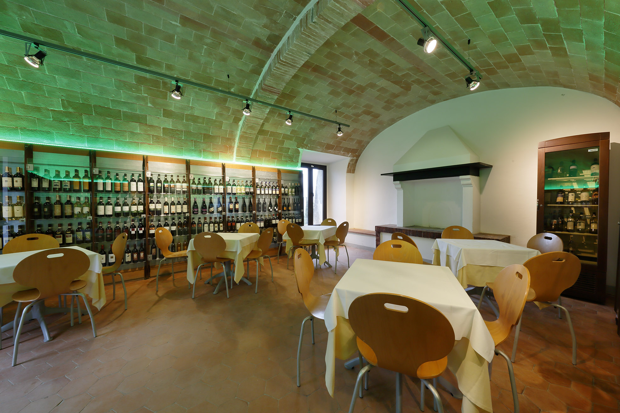 Exclusive wine & cultural tour from Siena